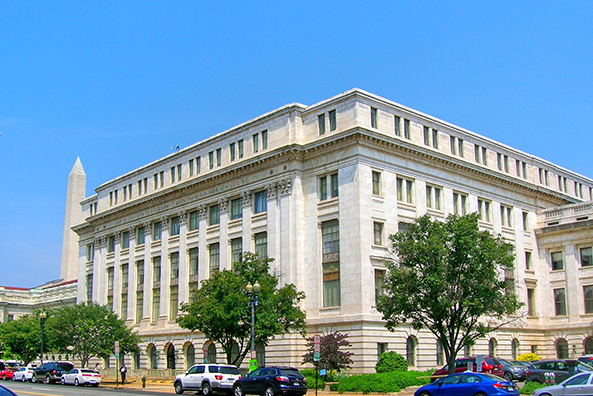 In Washington, MIT debuts financial training program for government credit professionals